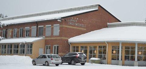 Lunner ungdomsskole: Andreas Mamen (Frp) foreslo å samle alle ungdomsskoleelevene i kommunen ved Lunner ungdomsskole.