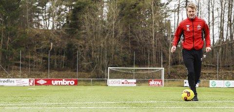 Mange kvaliteter: I Filip Westgaard har Kvik skaffet seg en svært anvendelig spiller. Han kan brukes både som høyreback, som indreløper og som spiss. Han er klar som et egg til å bidra , og er nå i full gang med å finne seg tilrette i sin nye klubb, og her på treningsanlegget på Strupe. Foto: Hans-Petter Kjøge
