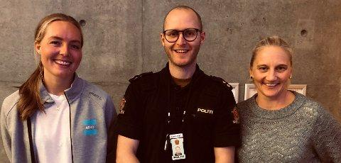 Antidopingkveld. Fra venstre Thea Langeland fra Antidoping Norge, Kim Grønnerød fra politiet og Stine Fjerdumsmoen fra Halden Håndball.
