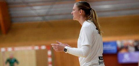 UTSATT: Når Jeanette Carlsen og Hokksund kan starte 2. divisjonssesongen i håndball er uvisst. FOTO: OLE JOHN HOSTVEDT