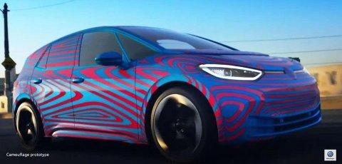 KAMUFLERT ELBIL: Dette bildet er publisert på forumet Reddit og skal vise en kamuflert versjon av Volkswagens elbil ID.