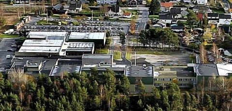 BLE IKKE SOLGT: Under behandlingen av skolebruksplanen i fylkestinget torsdag ble det ikke engang foreslått å selge Greåker videregående skole.