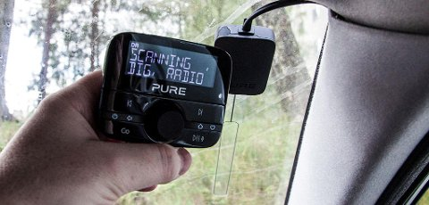 I løpet av fjoråret har rundt 10 millioner FM-radioer blitt nesten verdiløse etter at de tre store radiogigantene NRK, Bauer Media og P4 skrudde av FM-sendingene sine og DAB-overgangen var et faktum. Det har ført til betydelige endringer i lyttertallene. Foto: Magnus Blaker (Nettavisen)