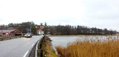 SMELL: Innbyggere på Foynland og Husøy våknet til smell søndag morgen. Det har en helt naturlig forklaring.