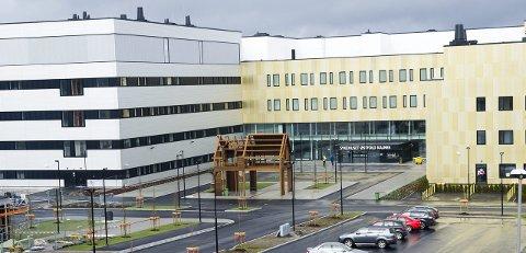 Den store dagen: Sykehuset Østfold Kalnes er allerede tatt i bruk. I dag er det tid for den offisielle åpningen med kong Harald som denmest prominente gjesten.Arkivfoto: Trond Thorvaldsen