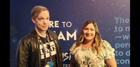 I TELL AVIV: Frode Vassel og Marianne Pentha er for øyeblikket i Tel Aviv for å kjempe om Norges ære i Eurovision Song Contest 2019. I juni kommer de til Brygga kultursal.
