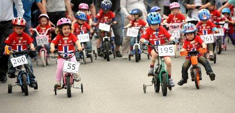 SYKKELFEST I SENTRUM: Onsdag er det klart for en ny utgave av Tour of Norway for kids i Kongsberg. I fjor var det 530 deltakere.foto: ole john Hostvedt