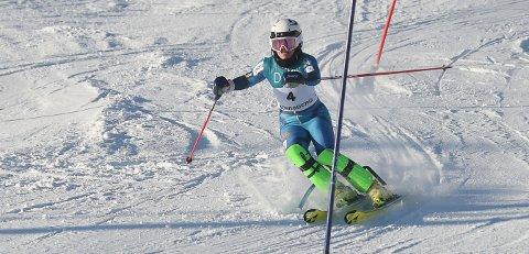 JUNIORMESTER: Anine Thorsesen vant U 21-klassen i junior-NM i alpint i Vassfjellet. FOTO: OLE JOHN HOSTVEDT
