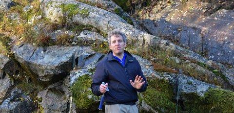 Område: Geolog Matthew Thomas Jackson fant et område han ville undersøke nærmere ved Høgåsen industriområde i tidligere Hobøl kommune.
