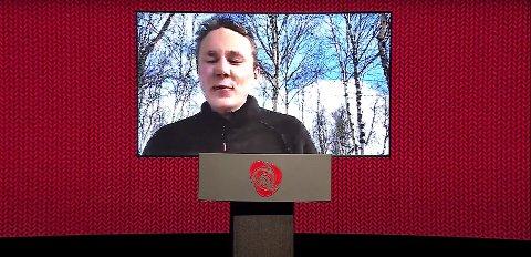 Digital tale: Oskar Tørres Lindstad talte til Arbeiderpartiets landsmøte fra Røros torsdag.