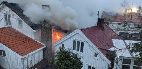 Det brenner ennå i byggene.