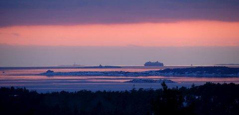 Her kan du beundre utsikten til «Tre fyr», Strømtangen, Struten og Færder.