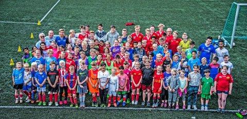 For alle: Det er blitt tradisjon for Rolvsøy IF å invitere til gratis fotball- og håndballskole i sommerferien. Det gjør de også i år.