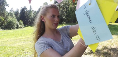 TILBAKE: Emilie Bersaas (24) har ikke problemer med å vende tilbake til Utøya. 22. juli 2011 var hun 19 år og blant de overlevende. 69 mennesker ble drept av gjerningsmannen. Bersaas mener det er viktig at vi aldri glemmer det som hendte. Arkivfoto: Jøran Grønstad