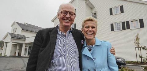 Et godt team: Sammen med hotelldirektør Laila Aarstrand har Stig Fische skapt et lønnsomt og særpreget hotell i Larkollen.