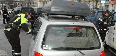 """DIESELFORBUD: Politiet vil gi gebyr til de dieselbilistene de kommer over på kommunale veier, men ikke sette inn eget """"dieselpoliti"""". (Illustrasjonsfoto/Arkivfoto)"""