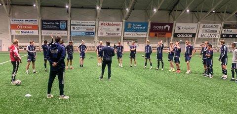 TRENERFORUM: I alt 27 trenere deltok da Vind IL og Vålerenga Fotball inviterte til trenerforum på Vind sist uke.