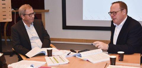 Budsjett: Det er ingen vågal spådom at det budsjettforslaget rådmann Jørn Strand og assisterende rådmann Espen Hvalby la fram i november kommer til å bli vedtatt, med ørsmå endringer. Foto: Thomas Strandby