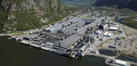 Hydro har besluttet å investere 60 millioner kroner i en ny ovn for produksjon av støpelegeringer på Hydro Sunndal.