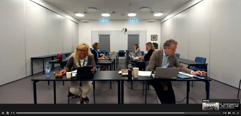 ANNERLEDES MØTE: Tirsdagens kommunestyremøte ble avholdt som fjernmøte. Ordfører Anne Rygh Pedersen og rådmann Egil Johansen holdt styr på diskusjonene og avstemningene over nettmøte.