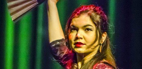 Dans: Matilde Riveros danser Sevillanas