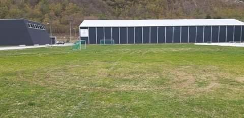 Det har vært bilkjøring på mange av banene som Sunndal IL Fotball disponerer.