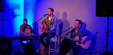 Trioen bestående av Espen Brodersen Mærvoll, Geir Ove Åbornes og Morten Lien Larsen, håper  på god oppslutning når de skal hylle Elton John i Fauske kino.