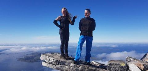 "Her er Tore (til høyre) sammen med nummer to i ""Ti på topp""-konkurransen Hilde Gaupholm på Sandhornet."