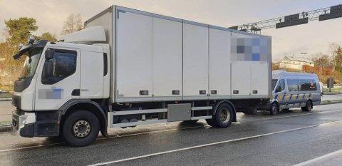 Denne lastebilen ble stoppet to ganger i vegvesenets kontroll på Halhjem torsdag.
