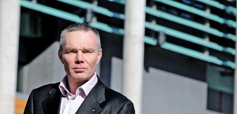 Espen Nøklebye Evensen er tidligere NHO-direktør i Østfold, og ledet en periode inkubatoren NCE Smart Energy Markets i Halden. Nå jobber han som seniorkonsulent, og har søkt en av de ledige direktørstillingene i Fredrikstad kommune.