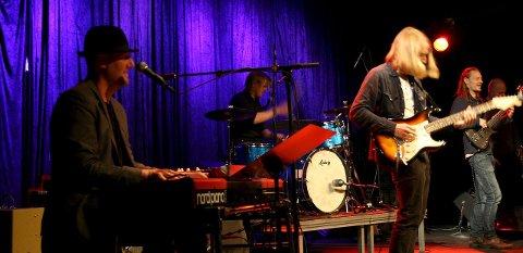 Gull & Grønne: Fredrikstadbandet åpnet konsertkvelden og skapte god stemning blant publikum.