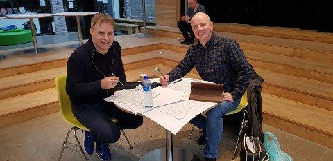 Torstein Aagaard-Nilsen (t.v) og Frode Amundsen diskuterer Seid
