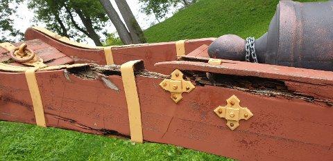 SLITASJE: Forsvarsbygg regner med at alle kanonene i Gamlebyen har skader av ulik grad. Det kan resultere i at alle blir fjernet.
