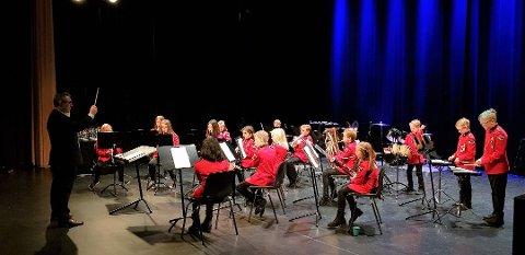 Kråkerøy skolekorps og Østre Fredrikstad Skolekorps fikk 50.000 hver til nye instrumenter under fjorårets tildeling.