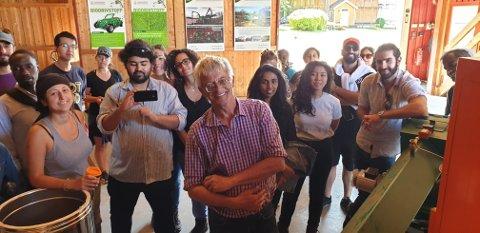 Gjester: Studenter fra 20 land besøkte nylig Energigården