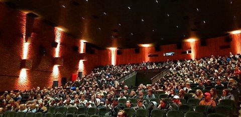 SKOLEKINO: Slik så det ut under fremvisningen av den norske dokumentaren «Hatets Vugge», om høyreradikalisering i Hellas.