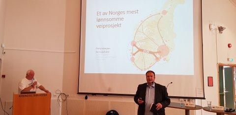 Arnfinn Førsund (t.v.) og Roald Aga Haug under en presentasjon på Arendalsuka sist sommer. Nå er de klare med Hordalandsdiagonalen AS sine innspill til ny NTP. Foto: Privat