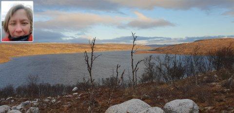 VANNKOK: Leder for anleggsdrift i Tana kommune, Solveig Therese Halonen sier at noen tanaværinger må koke vann.