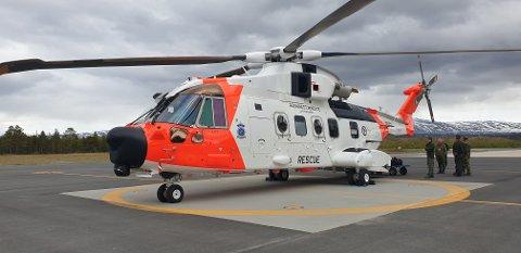 FOR FØRSTE GANG I FINNMARK: AW 101 er det nye redningshelikopteret i Norge. Her står det parkert på Banak.
