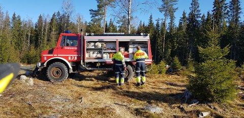 ØVELSE: Tirsdag øvde mannskapene til Øvre Romerike brann og redning på bruk av skogbrannutstyr.