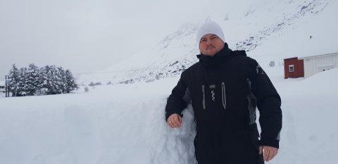 EVAKUERT: Ivan Myklebust og familien ble evakuert fra boligen i Skjelfjord og til et sikrere sted i bygda på grunn av rasfare. – Søndag var ekstrem, sier Myklebust. FOTO: privat