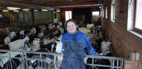 FRAMTID FOR GEIT: Marielle de Roos er glad for at framtiden for geitebrukene kan bli tema i Stortinget. - Næringen trenger en strategiplan, mener hun. Foto: Privat