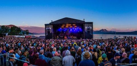 LINEUP: Festivalsjefen har stor tro på at de fire første bandene vil lage magiske øyeblikk på festivalen.