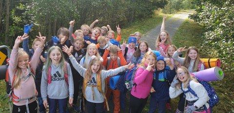 En blid gjeng som er stolte fylkesvinnere av Beintøft 2019