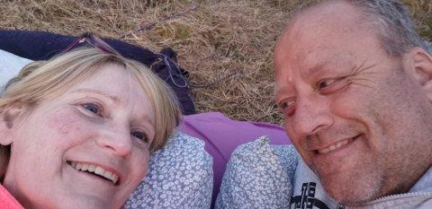 BRYLLUPSNATTA: Birgit og Roger tok bryllupsnatta under åpen himmel. FOTO: PRIVAT