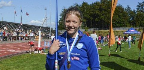FRA BRONSE TIL SØLV: Kaja Mørch Pettersen tok med seg sølvmedalje hjem fra junior-NM i Harstad. For drøye to uker siden tok hun bronse i Ungdoms-OL.