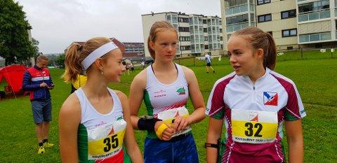 VENNINNER OG ORIENTERINGSLØPERE: Maren Sofie (t.v.), Pernille Zagar og Annika van Raaij (Hedrum OL).