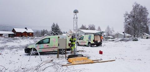 POSISJON: Ny basestasjon for posisjonstjenester settes opp på Rustad. Foto: Kristin Skjerven