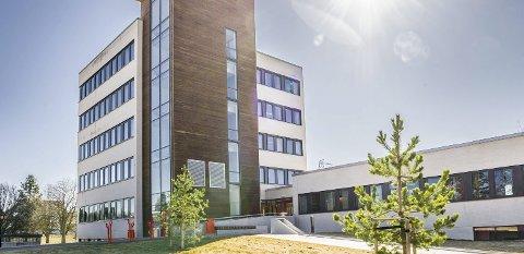 I Eidskog kommune har en pasient dødd kort tid etter at vedkommende var ute av isolasjon på grunn av korona. Kommuneoverlegen vil ikke konkludere med at covid-19 var årsaken til dødsfallet.