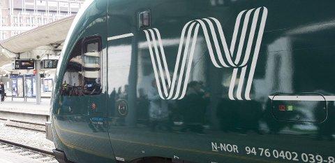 IKKE FORNØYDE: Reisende fra Porsgrunn og Skien er mer misfornøyde med togtilbudet i år kontra i fjor.
